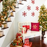 02-foyer-with-Christmas-decorations-101955095_SQ